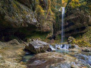 Водопад Пасть дракона Сочи