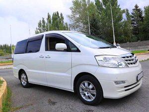 Toyota Alphard без водителя в Сочи